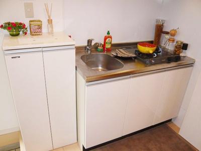 ロフトのあるお部屋は、天井が高く設けられているので、お部屋にいると天井が高い分、開放感がありますよ(^^)