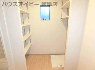 岐阜市野一色 未入居住宅 敷地ゆとりの56坪 お車スペース並列3台可能