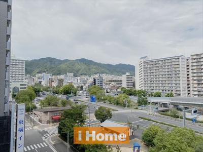 北側バルコニーから新神戸・布引方面の山並みを見渡せます!