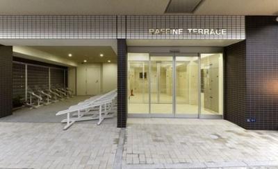 【エントランス】RAFFINE TERRACE