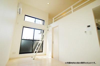 ロフトがあることによって、そのスペースをご自分の目的に合わせて有効活用できるので、お部屋の用途が増えますね♫