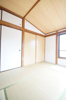 ごろ寝が出来る和室のお部屋です。