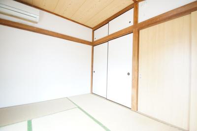 和室6帖のお部屋です。