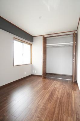クローゼットはお子様が成長しても衣服が溢れず、お部屋を広く使用出来ます。