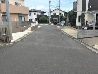 【前面道路含む現地写真】みどりの中央 築浅戸建て
