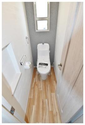 温水洗浄便座付きトイレ。トイレは各階にあるので非常に便利です! ※他現場施工例写真