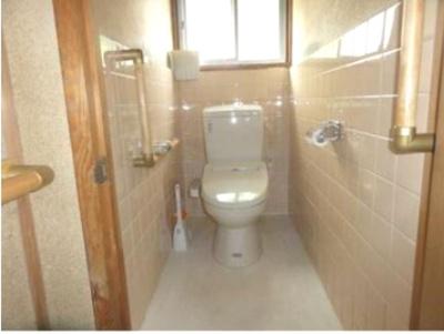 【トイレ】中巨摩郡昭和町河東中島 平屋中古住宅