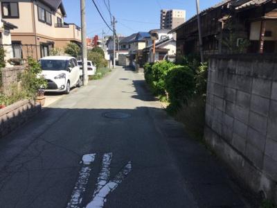 【前面道路含む現地写真】甲府市飯田2丁目 土地