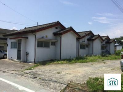 現在借家が3棟ありますが、更地にして引渡しをします。