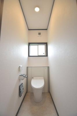 清潔感のある1階トイレです