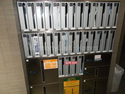 ヴェルステージ駒込の郵便ポスト(宅配ボックスもあり)