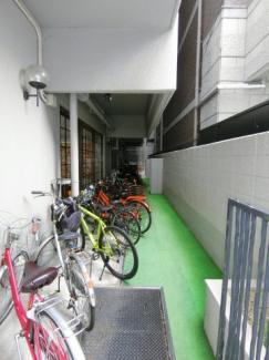 駐輪場も管理人さんの手が行き届いており整理されています。