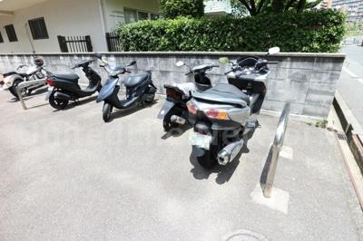 バイク置き場も有ります