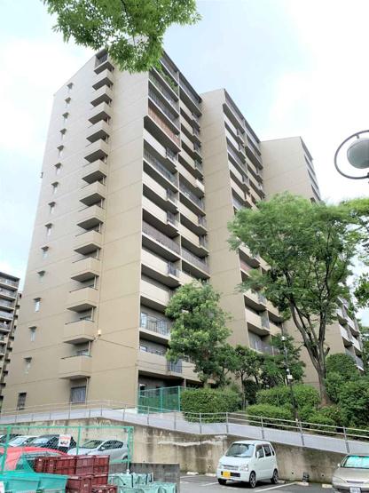 【現地写真】 総戸数85戸のマンションです♪