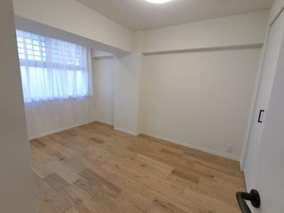 6.1帖の洋室です。 こちらは寝室にいかがでしょうか?