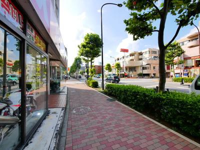 駅周辺にはお買物施設も多数点在しており住環境も良好です。