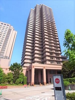 恵比寿ガーデンプレイスの一画に聳えるランドマークマンション。