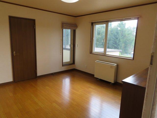 2階8帖洋室