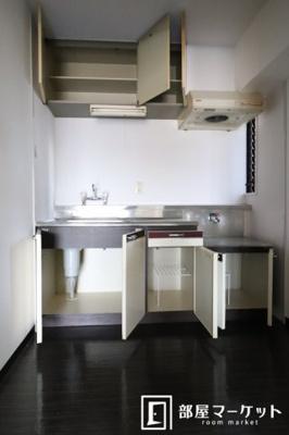 【キッチン】イーストガーデン 杉の木館