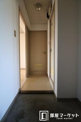 【玄関】イーストガーデン 杉の木館