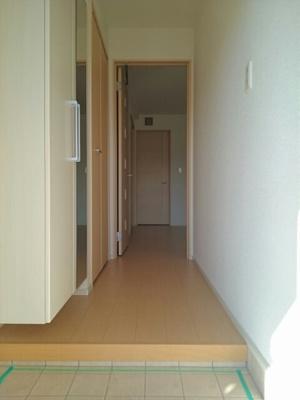 【玄関】ミニヨンハウスSAYAⅡ B