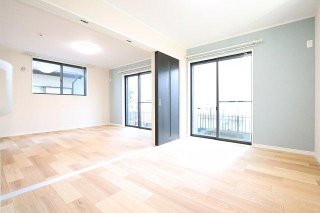 明るい洋室です 三郷新築ナビで検索