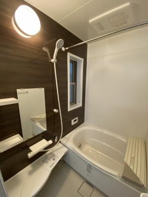 浴室暖房乾燥機付きの浴室