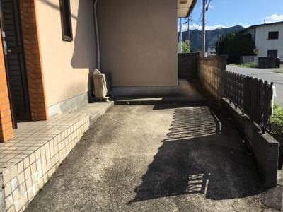 【駐車場】氷上町石生中古住宅