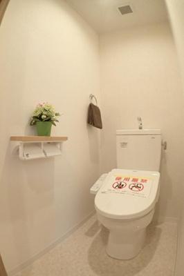 トイレはウォシュレット付きにて新調です。