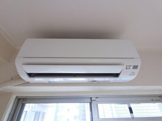 新居生活には嬉しいエアコン付き。