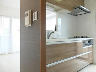 収納豊富で散らかりがちなキッチンもすっきり片付きます。