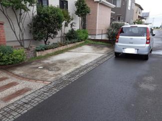 敷地内カースペース、車種により3台駐車可能♪♪