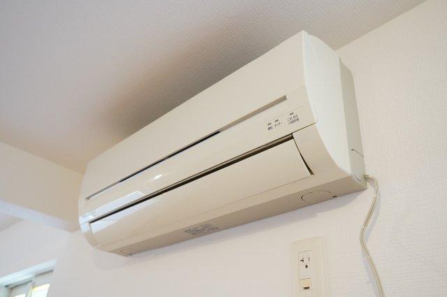 洋室にエアコンがあり嬉しいですね。