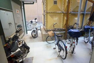 【バイク置場&駐輪場】