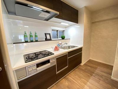 食洗機付きのキッチンも新調されました。