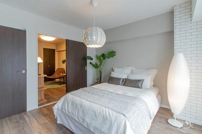 約6.2帖の洋室です バルコニーに面した明るく風通しの良いお部屋です♪