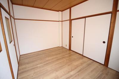 全部屋に窓があるので開放感が有りますよ。 洋室6帖