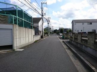 接道道路:西側公道・約6m  <越谷市南荻島 中古戸建>