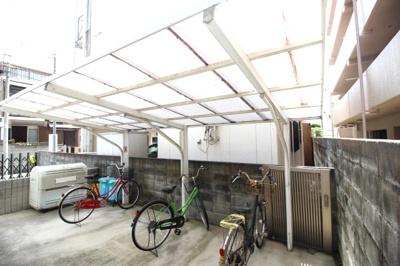 屋根付きの駐輪場がございます♪