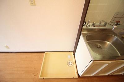 室内洗濯機置場がございます♪