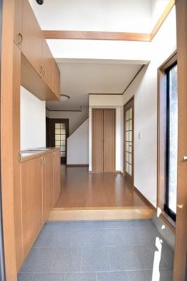 【玄関】かし保険付きの東南角地住宅