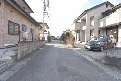 【前面道路含む現地写真】かし保険付きの東南角地住宅
