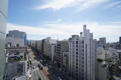 【シティービュー】 広島の中心地、紙屋町から八丁堀方面を臨む。 こんなにも都会なのに、一旦部屋に入り 窓を閉めてしまうと、都会の喧騒など どこに?というぐらい静かです。