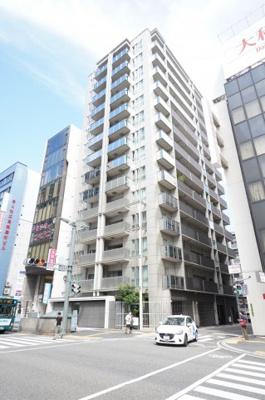 【超都心マンション】  築浅、90m2超の広さ、室内美邸です。 そごう広島店まで徒歩3分。稀有な1邸です。
