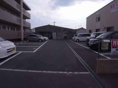 【駐車場】ハイツ西川
