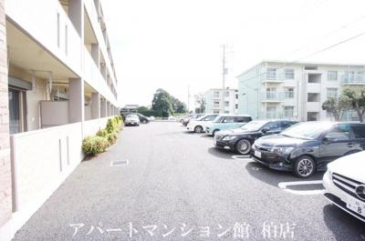 【駐車場】ハーモニー