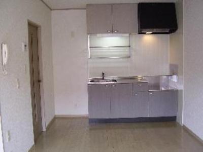 キッチン 写真は102号室で103号室は反転になります