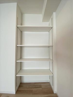収納も豊富に設けておりますのでお部屋もすっきり片付きます。