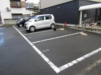 【駐車場】ヴィヴィアン ノックス