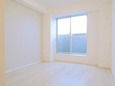 すべての居室からバルコニーへの出入りが可能です。